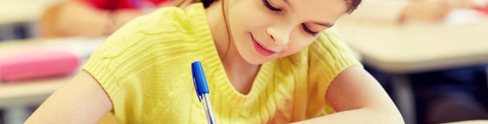 meisje-schrijven-school